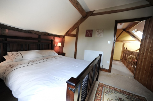 Self-Catering Accommodation near Shropshire Hills - Master Bedroom