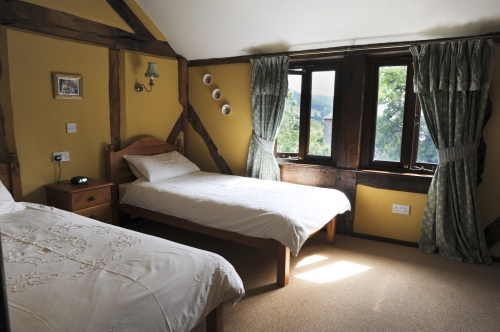 Shropshire Self-Catering Holiday Cottage - Twin Bedrooms